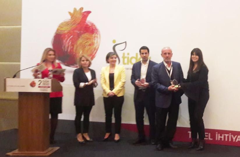 Temel İhtiyaç Derneği (TİDER)'den Kastamonu Gıda Bankası'na da ödül verildi.